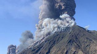 L'éruption du Stromboli (Italie), le 3 juillet 2019. (AFP PHOTO / @mariocalabresi / Mario CALABRESI)