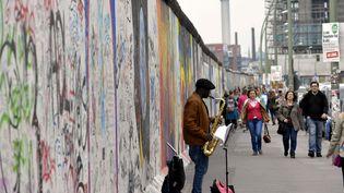 Un morceau du mur de Berlin, East Side Gallery, toujours debout (PHOTOPQR/L'EST REPUBLICAIN/NCY / MAXPPP)