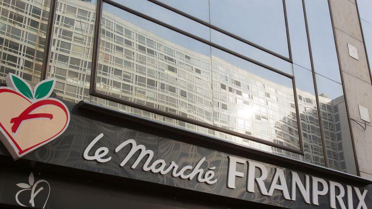 La façade d'un supermarché Franprix, à Paris. (LOIC VENANCE / AFP)