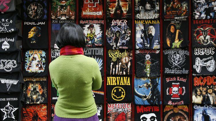 Des tee-shirts à Florence en Italie, le 12 novembre 2006. (MAXPP)