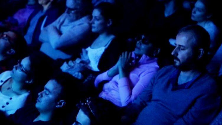Geoffrey Secco & Friends lors d'un concert sous hypnose  (France 3 / Culturebox)