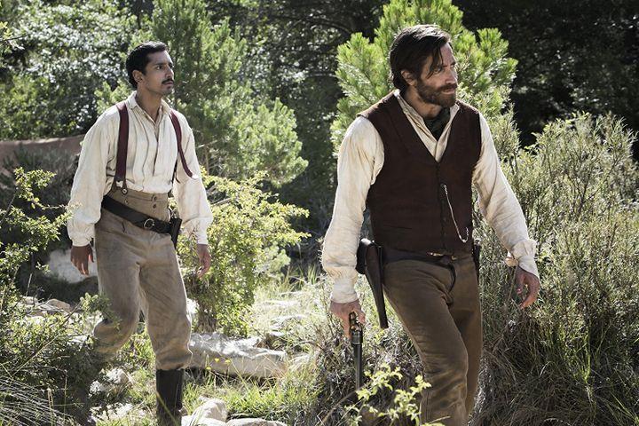 """Riz Ahmed et Jake Gyllenhaal dans """"Les Frères Sisters"""" de Jacques Audiard  (UGC Distribution)"""