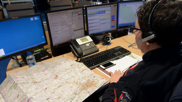 Le centre d'appel des pompiers du Maine-et-Loire. (Photo d'illustration) (JOSSELIN CLAIR / MAXPPP)