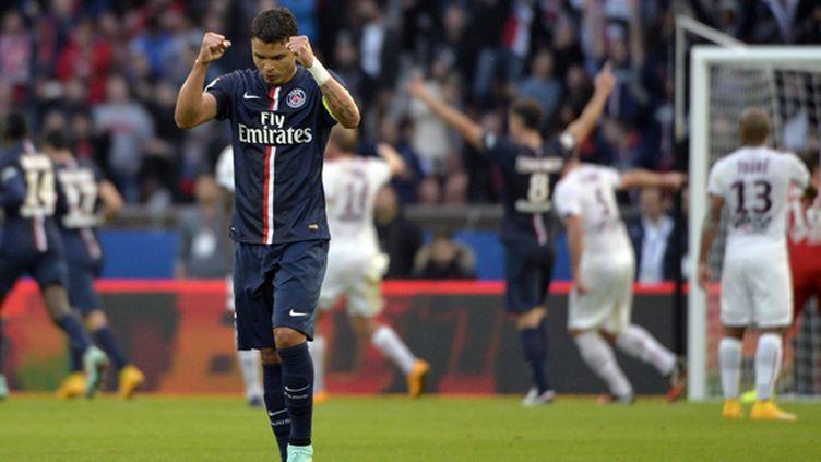 Thiago Silva, le capitaine parisien, compte sur ses coéquipiers pour ramener les trois points de la victoire.   (MIGUEL MEDINA / AFP)