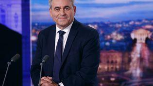 Xavier Bertrand, invité de TF1 le lundi 11 octobre 2021. (THOMAS SAMSON / AFP)