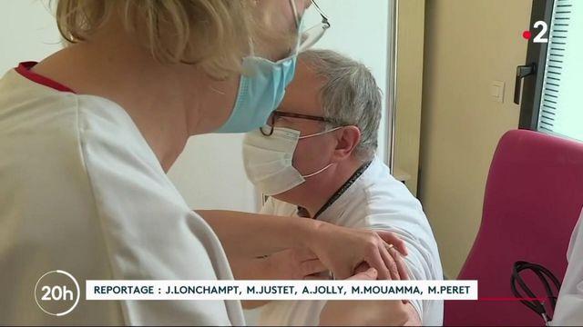 Vaccination contre le Covid-19 : après un lancement laborieux, le gouvernement annonce une accélération
