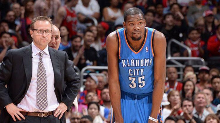 L'entraîneur du Thunder Scott Brooks et son joueur Kevin Durant