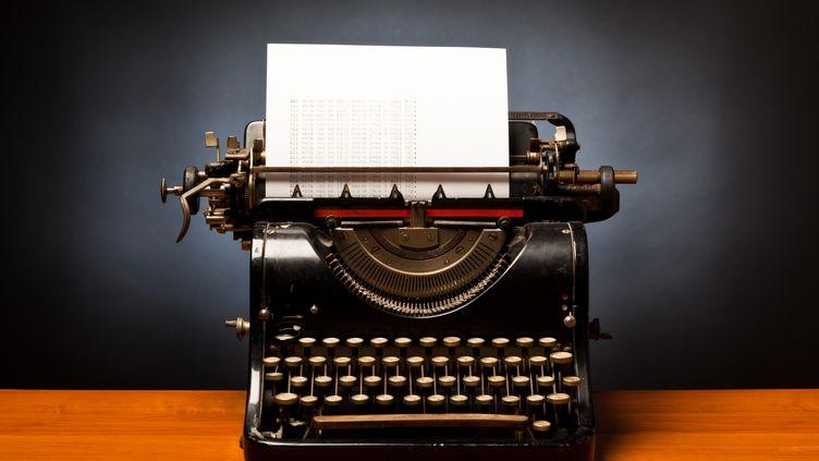 """""""Le moyen le plus primitif est à privilégier : la main humaine ou la machine à écrire"""", a ditl'ex-directeur du FSB (ex-KGB) Nikolaï Kovalev. (E+ / GETTY IMAGES)"""