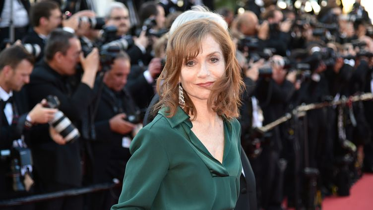 Isabelle Huppert, le 21 mai 2016 au festival de Cannes. (ALBERTO PIZZOLI / AFP)