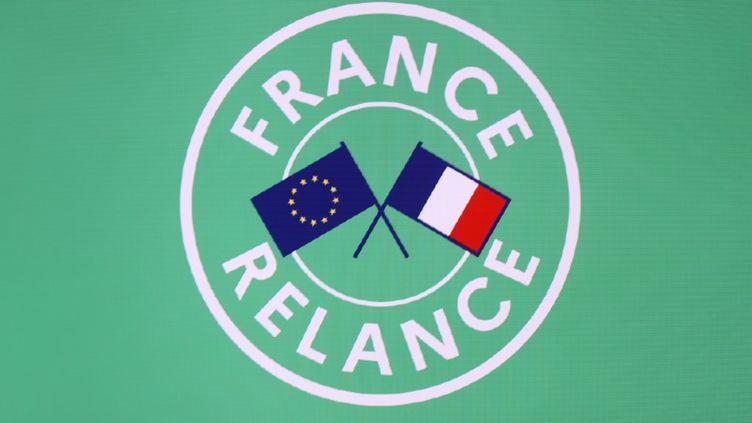 """Pour le Haut Conseil pour le climat, le plan de relance, baptisé """"France relance"""", n'est pas suffisamment compatible avec l'objectif de réduire les émissions de CO2. (LUDOVIC MARIN / AFP)"""