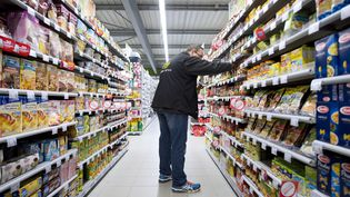La présence de substances allergènes dans les denrées alimentaires devra être indiquée dès le 1er juillet sur les emballages ou aux professionnels les utilisant. (JEAN-SEBASTIEN EVRARD / AFP)