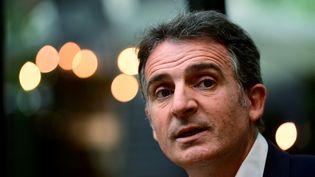 Éric Piolle, maire de Grenoble lors d'une conférence de presse à Paris, le 30 juin 2021. (MARTIN BUREAU / AFP)