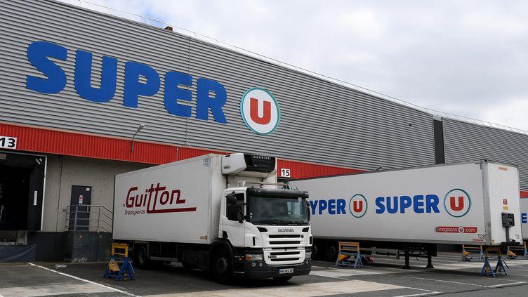 L'entrepôt U logistique de Trélaze, près d'Angers, dédié à l'épicerie, liquides, droguerie, parfumerie etc...aux rotations lentes alimentaires et non-alimentaires pour les magasins U de l'ouest de la France. (Illustration) (JOSSELIN CLAIR / MAXPPP)