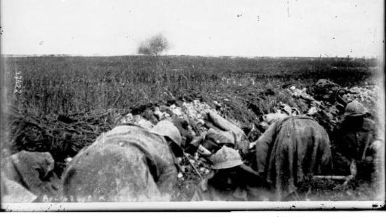Les soldats présents à Verdun essuient une attaque allemande de grande ampleur, le 22 février 1916. (GALLICA / BNF)