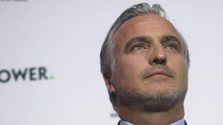 David Ginola lors de l'annonce de sa candidature à la présidence de la FIFA