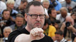 """Lars von Trier avait fait polémique en montrant son tatouage au sens explicite avant la projection de """"Melancholia"""" à Cannes en 2011  (FRANCOIS GUILLOT / AFP)"""