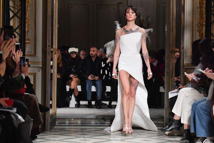 Asia Argento en Antonio Grimaldi couture le 21 janvier 2019  (Getty Images)