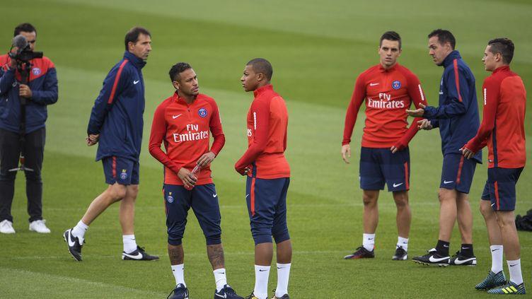 Les joueurs du Paris SG à l'entraînement au Camp des Loges. (CHRISTOPHE SIMON / AFP)