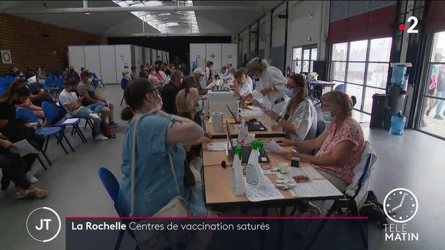 Covid-19 : des centres de vaccination saturés à La Rochelle