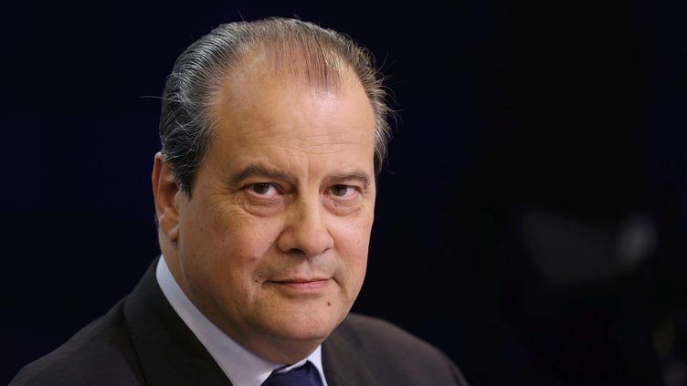 Le premier secrétaire du PS, Jean-Christophe Cambadélis, répond aux questions des journalistes, le 15 juin 2014, à Paris. (MAXPPP)