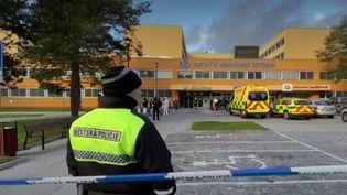 Une fusillade a éclaté, mardi 10 décembre, dans un hôpital tchèque. Le tireur a tué six personnes avant de se suicider. (france 2)
