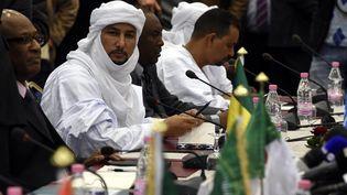 Réunion entre des représentants du gouvernement malien et de l'ex-rébellion du Nord en janvier 2016, à Alger. (FAROUK BATICHE / AFP)