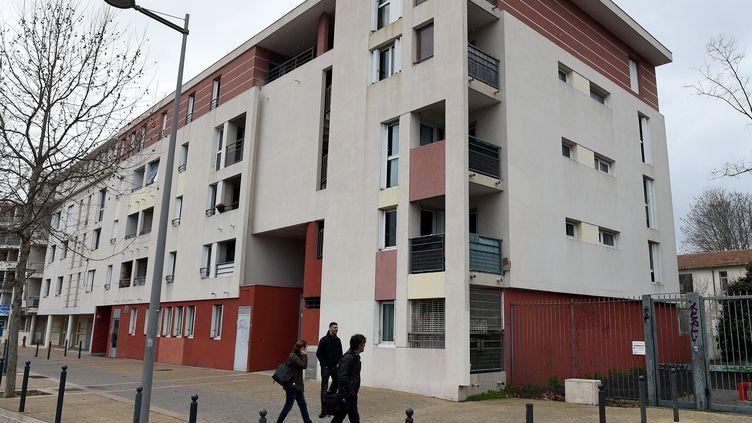 Un immeuble de Montpellier où une personne suspectée de préparer un attentat sur le sol français a été arrêtée, vendredi 10 février 2017. (MAXPPP)