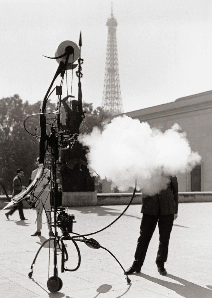 Tinguely, portrait de l'artiste, Paris 1959 (Robert Doisneau / Gamma Rapho)