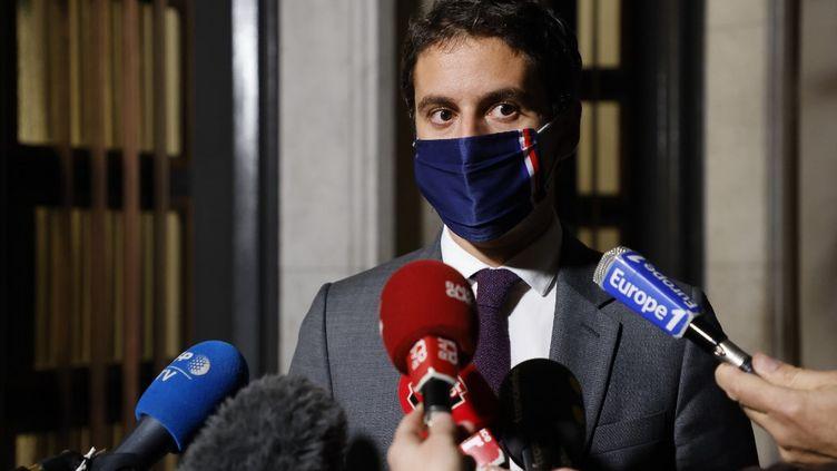 Le porte-parole du gouvernement Gabriel Attal, le 27 octobre 2020. (LUDOVIC MARIN / AFP)