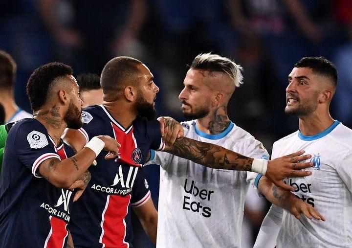 Le classique entre le PSG et l'OM s'est terminé dans la confusion (FRANCK FIFE / AFP)