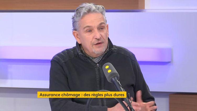 """Les règles de l'assurance chômage deviennent plus dures. La réforme du système entre en vigueur ce 1er novembre.Pour Philippe Villechalane, de l'APEIS, qui défend les droits des chômeurs, c'est """"un véritable cataclysme"""". (FRANCEINFO / RADIO FRANCE)"""
