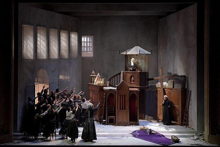 Philippe Talbot (Comte Ory), Jean-Sébastien Bou, Eve-Maud Hubeaux  (Vincent Pontet/Opéra Comique)