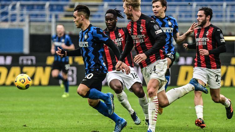 Le derby milanais entre l'Inter et l'AC Milan en février 2021. (MIGUEL MEDINA / AFP)