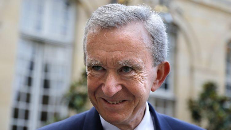Bernard Arnault le 5 septembre 2012 à Matignon, après un entretien avec le Premier ministre Jean-Marc Ayrault. (FRANCOIS GUILLOT / AFP)