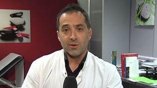 Le cancérologue Fabrice Denis, le 2 janvier 2015, sur France 2. ( FRANCE 2)