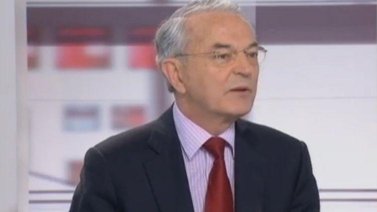 Jean Arthuis, Sénateur centriste de la Mayenne, sur France 2, le 24 février 2012. (FTVI / FRANCE 2)
