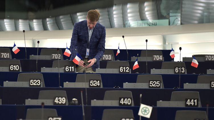 Un assistant parlementaire à Bruxelles, le 4 juillet 2016. Image d'illustration. (PATRICK HERTZOG / AFP)