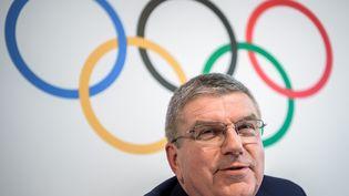 Le président du Comité olympique international, Thomas Bach, lors d'une conférence de presse à Lausanne (Suisse), le 9 juin 2017. (FABRICE COFFRINI / AFP)