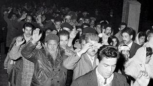 Le 17 octobre 1961, des Algériens qui manifestaient pacifiquement contre la guerre d'Algérie et les brimades qu'ils subissentont été tués par la police française, à Paris. Un massacre encouragé par Maurice Papon, à l'époque préfet de police de Paris. (CAPTURE D'ÉCRAN FRANCE 3)