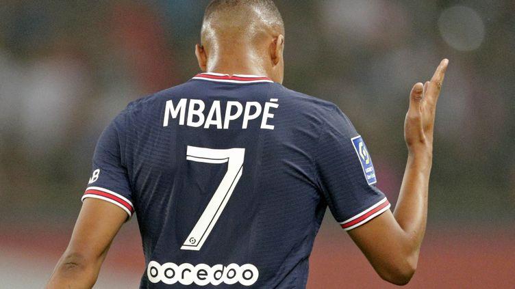 Kylian Mbappé, lors du match contre Strasbourg au Parc des Princes, le 14 août 2021. (GEOFFROY VAN DER HASSELT / AFP)