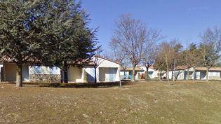 Le village de vacances de Lagrand, sur la commune deGarde-Colombe (Hautes-Alpes), photographié en février 2011 par le service Google Street View. (GOOGLE MAPS)