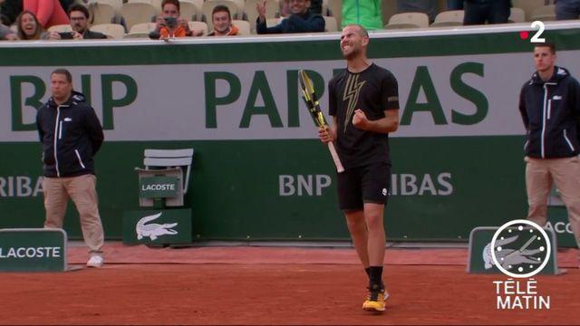 Tennis : seize Français continuent Roland-Garros