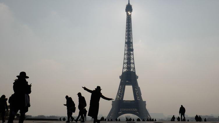 La Tour Eiffel à Paris, le 21 février 2018. (LUDOVIC MARIN / AFP)