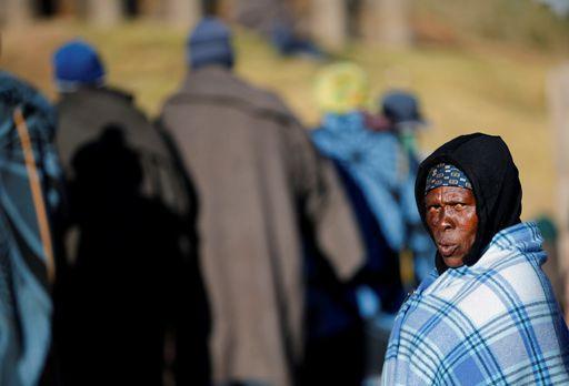 Pendant les élections nationales au Lesotho, dans le village de Hatimo, près de la capitale Maseru, le 3 juin 2017 (REUTERS - Siphiwe Sibeko)