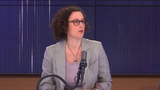 """Emmanuelle Wargon,ministre déléguée chargée du Logement était l'invitée du """"8h30 franceinfo"""", lundi 5 avril 2021. (FRANCEINFO / RADIOFRANCE)"""