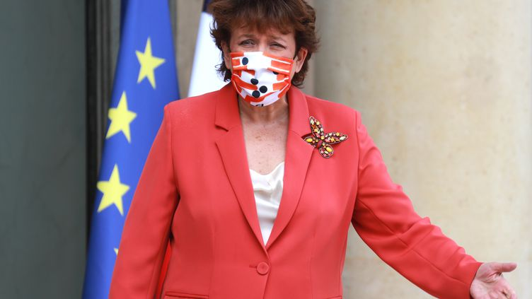 La ministre de la Culture Roselyne Bachelot devant l'Elysée le 26 août 2020. (LUDOVIC MARIN / AFP)