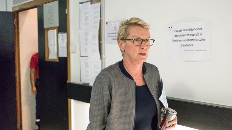 """La présentatrice de """"Cash Investigation"""", Elise Lucet, lors d'un procès en diffamation intenté par l'Etatazerbaidjanais, le 5 septembre 2017 au Tribunal correction de Nanterre (Hauts-de-Seine). (MAXPPP)"""