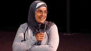 """Soria Zeoual, la femme de ménage de Givors lors de la projection du film """"Fatima"""" dans lequel elle joue le premier rôle  (France 3 / Culturebox)"""