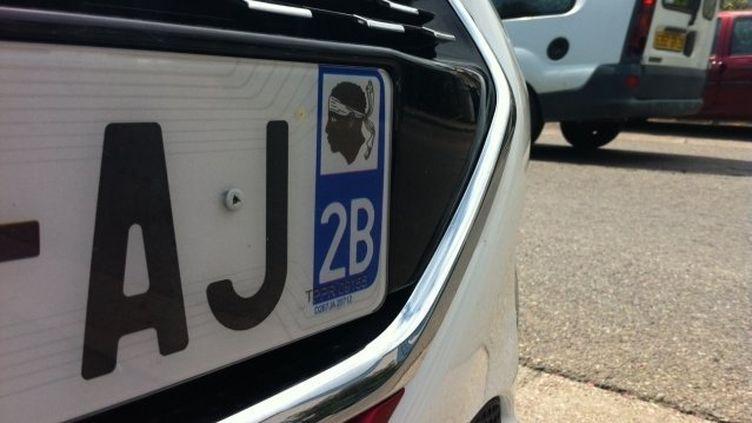 """De nombreux conducteurs optent pour des plaques """"2A"""" ou """"2B"""" pour éviter les ennuis sur la route. (FRANCE 3 VIASTELLA)"""