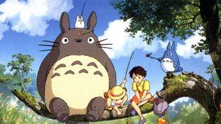 """Mon Voisin Totoro"" de Hayao Miyazaki, dont le personnage sert de logo au studio de cinéma d'animation Ghibli, co-fondé par Miyazaki.  (Ghibli)"